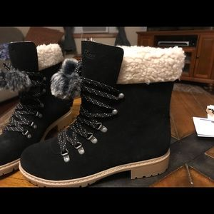 Bass black suede boots